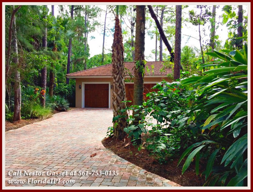 Equestrian Homes For Sale in Fox Trail Loxahatchee FL - 1154 -1092 Clydesdale Drive Loxahatchee FL 33470 - Three Car Garage