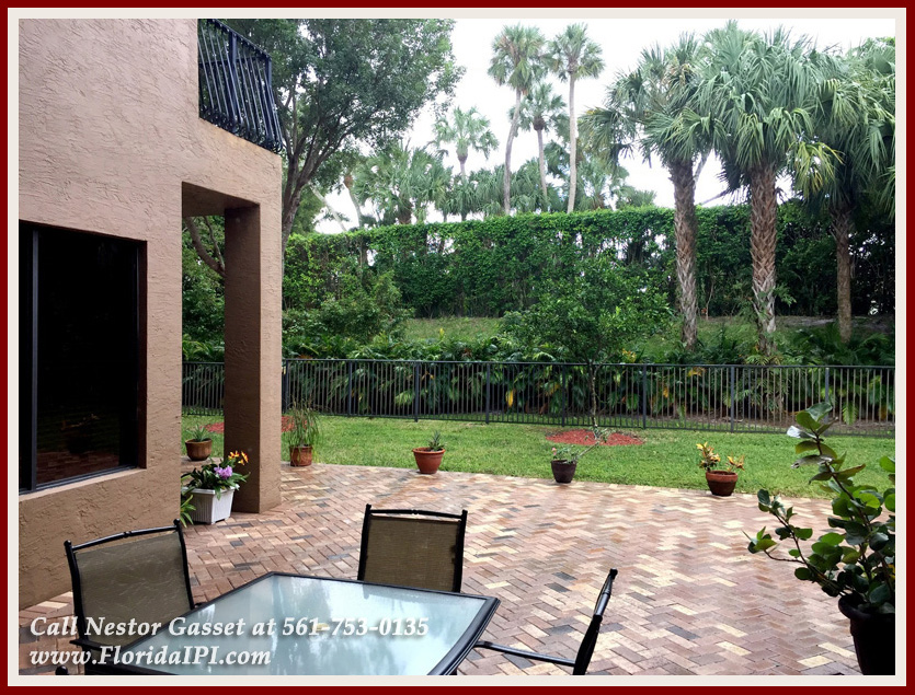 10392 Trianon Pl Wellington FL 33449 - Backyard - Versailles Wellington FL Home For Sale - Florida IPI International Properties and Investments