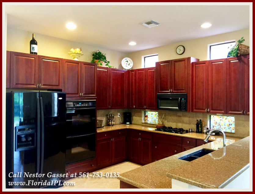 10392 Trianon Pl Wellington FL 33449 - Kitchen - Versailles Wellington FL Home For Sale