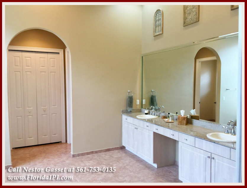 10392 Trianon Pl Wellington FL 33449 - Master Bathroom -Versailles Wellington FL Home For Sale