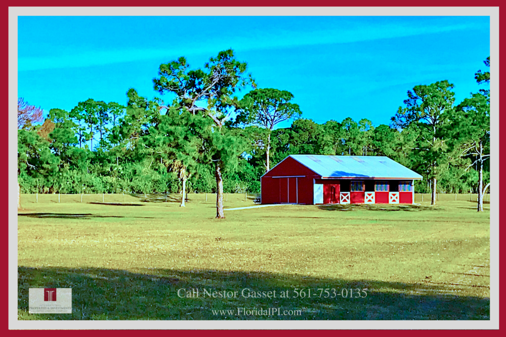 Equestrian Ranch For Sale in Loxahatchee FL -  This Loxahatchee FL equestrian property delivers the best comfort and convenience you and your horses need.