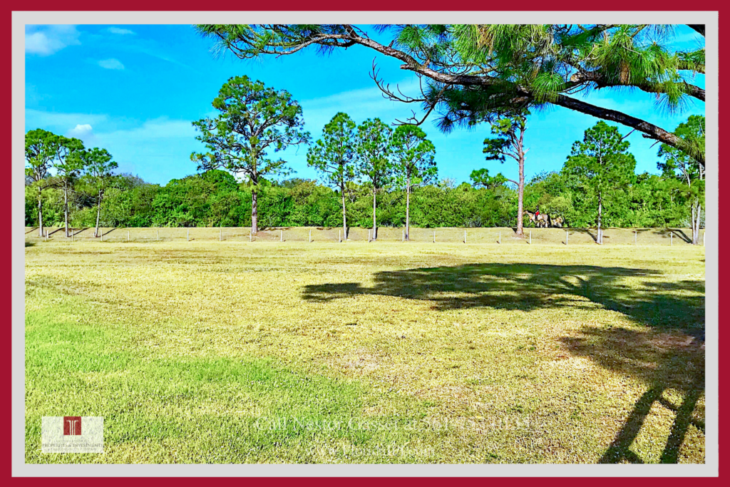 Equestrian Property in Loxahatchee FL - Live in your slice of heaven in this beautiful Loxahatchee FL equestrian property for sale.